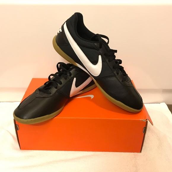 365f9cae0 Nike Davinho Size 11 BRAND NEW INDOOR SOCCER
